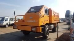 矿山运输车(10吨)